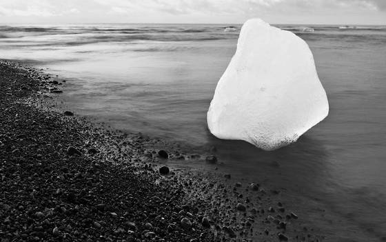 Ice on the icelandic shore