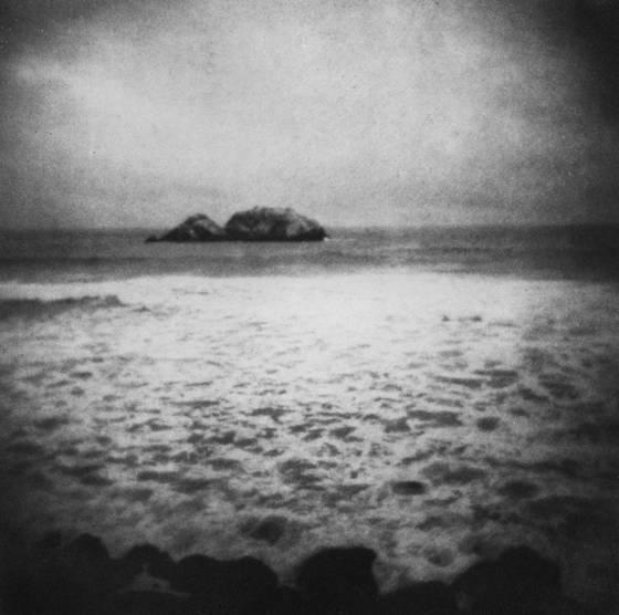 Wrecks that float o er unknow seas