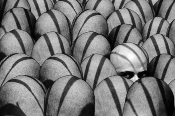 Crowded heads