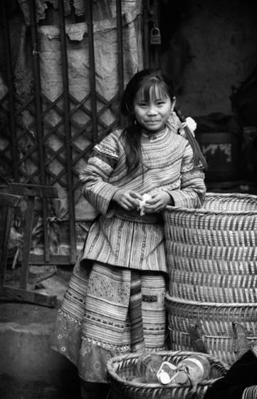 12 young girl bac ha vietnam 2006