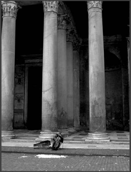 Cello at the pantheon