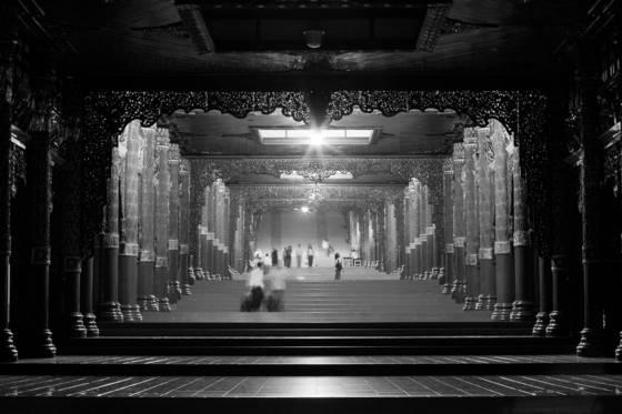 Stairway to shwedagon pagoda