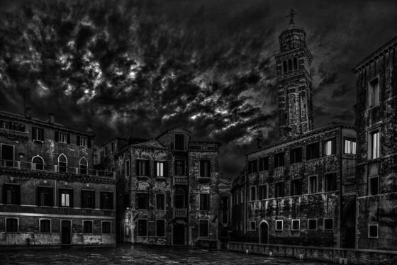 Venice at night10