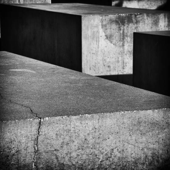 Holocaust memorial  7