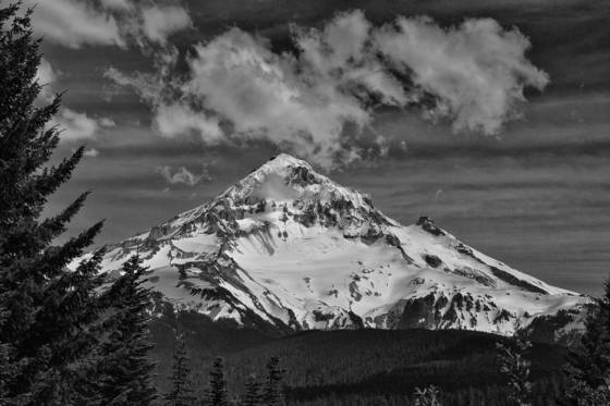 Mount hood from lolopass