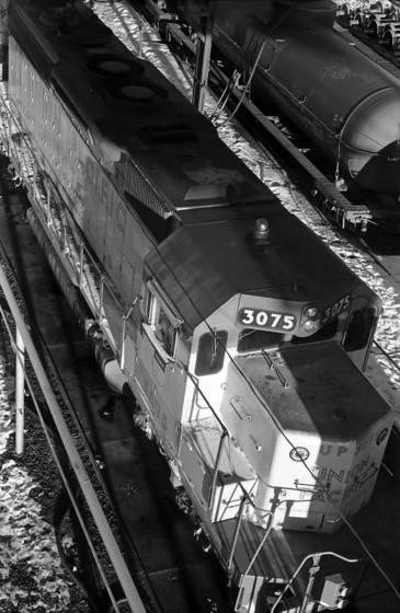 Engine 3075