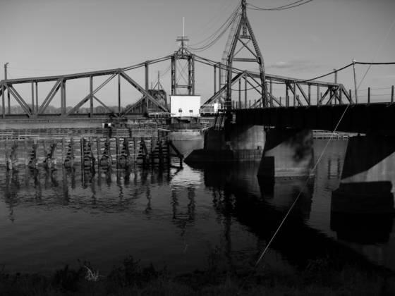 Turntable bridge 1