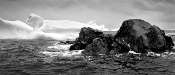Sea statues