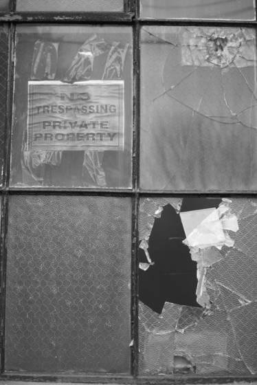 Mondrian broken window