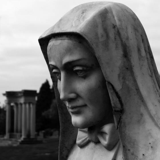 Statue of nun
