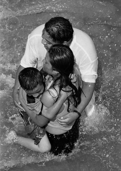 Hugging coney island family
