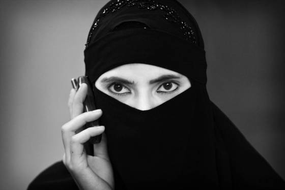 Muslim woman with cellphone