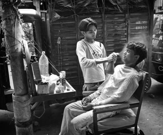 Street barbershop