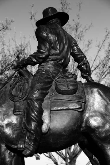 Cowboy em bronzed