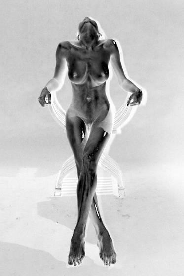 Nude bronze