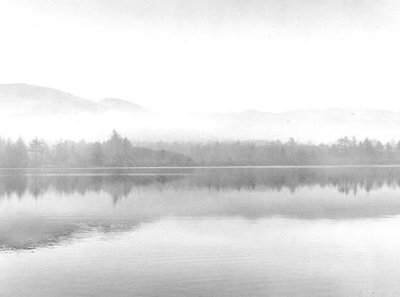 K   pond in morning mist