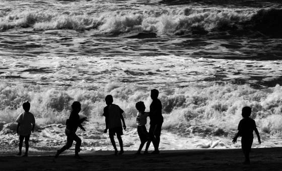 Kids at surf play