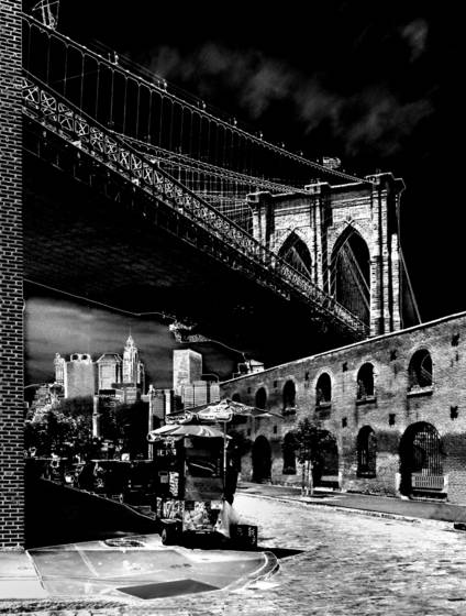 Brooklyn bridge and hot dog stand
