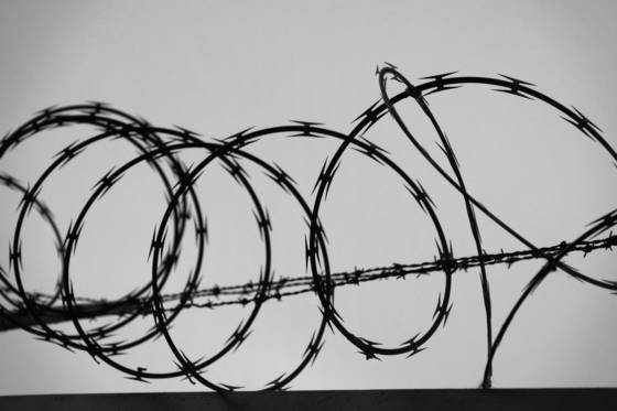 Razor wire signature