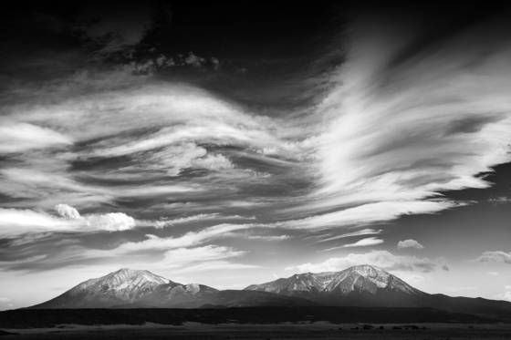 Cloud waves over spanish peaks