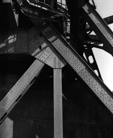 Jackknife bridge detail