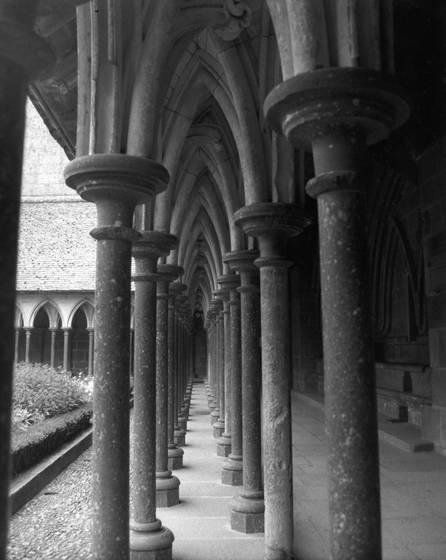 Mont st  michelle cloister