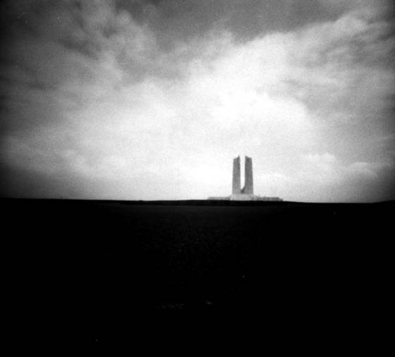 Ww 1 war memorial  2 vimy ridge