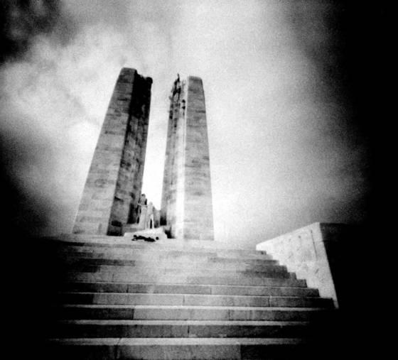 Ww 1 war memorial  3 vimy ridge