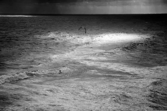 Solo kiteboarder
