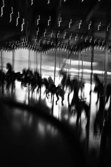 Carousel raceway