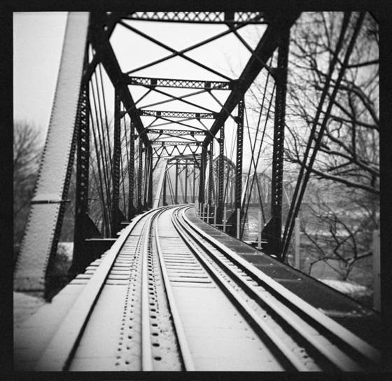 Holga bridge