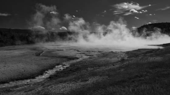 Midway geyser