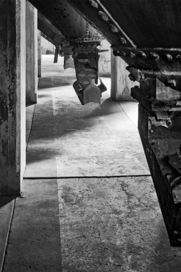 Grain hopper alley