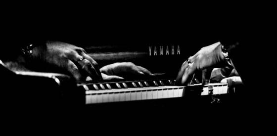 Poncho s piano man