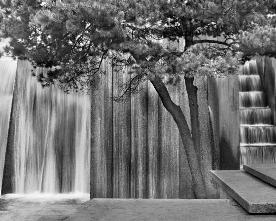 Keller fountain detail 4