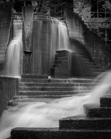 Lovejoy fountain detail 3