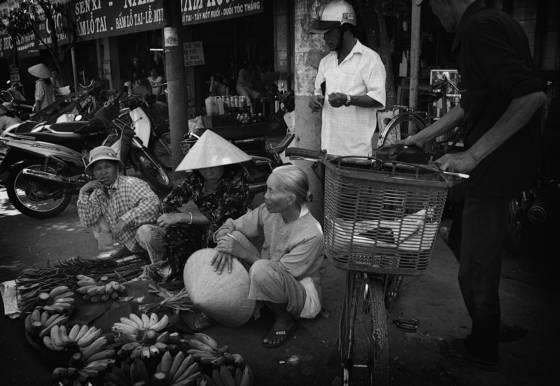 Vietnam street vendors 3 hue