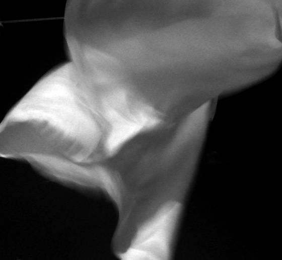 Blowing linen 01