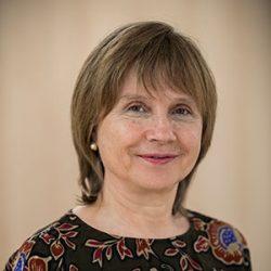 Luisa L. Costa