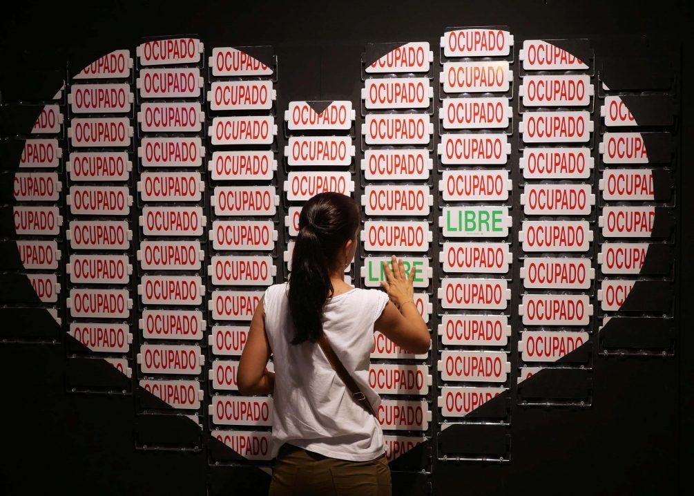 Ocupado / Libre art installation