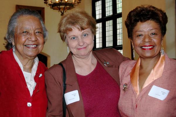 Dorothy Carter, Elisabeth Jakab, Carol Carter