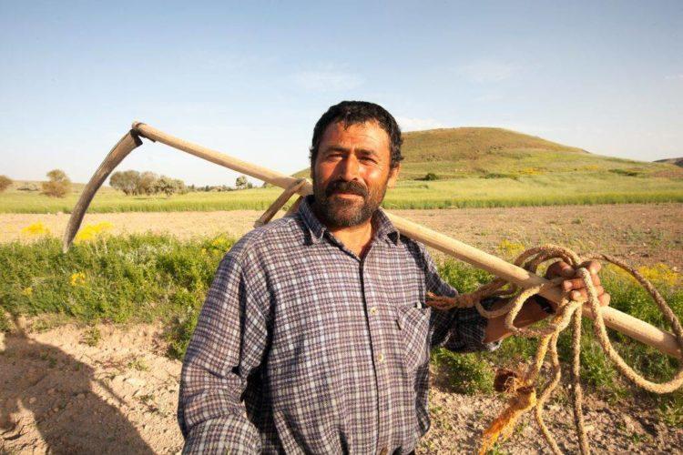 Model farm gives father an honest living - Baptist Global Response
