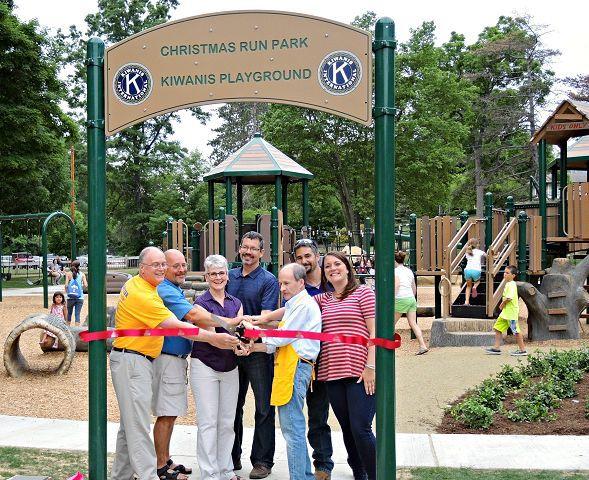 Christmas Run Park.Christmas Run Playground Grand Opening The Bargain Hunter