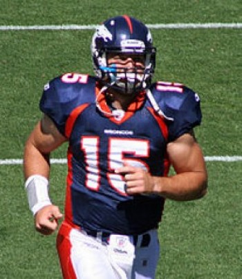 Tim Tebow (credit: Jeffrey Beall, Wikipedia)