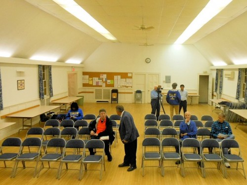 The DeCamp forum of October 22 at the Watchung Presbyterian Church in Bloomfield was sparsely attended.