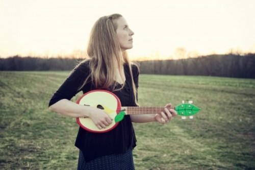 elizabeth-mitchell-2012-photo-credit-jana-leon-675x450