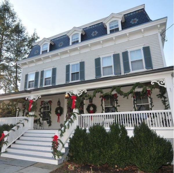 Holiday House Tours: Historic Homes, Candlelight Tours and