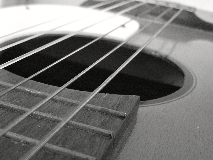 Replace your strings to avoid rusty fingers