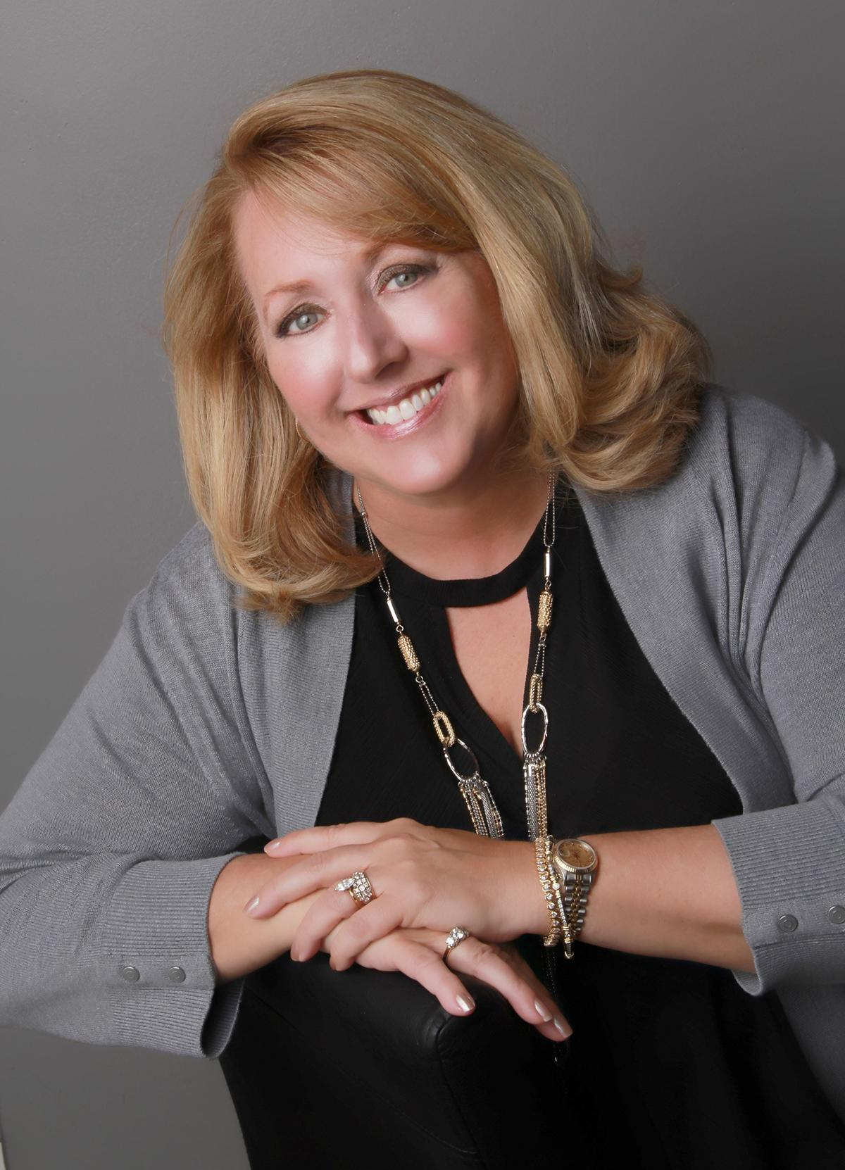 Kelly Dennis