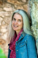 image of author Suzanne Strempek Shea